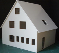 Vergrößern: Wohnhaus aus den 1970ern (1:44)